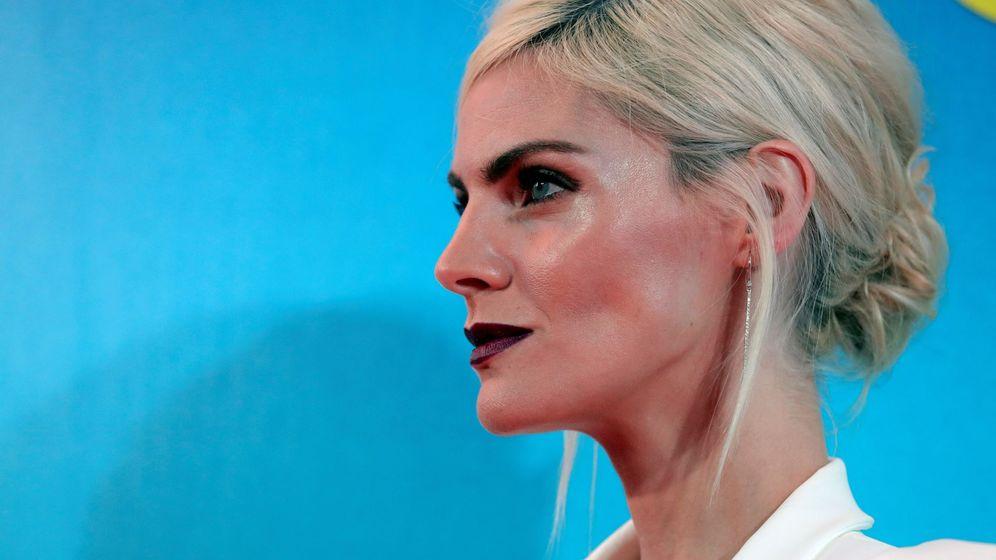 Foto: La actriz Amaia Salamanca posa a su llegada al estreno de la película '¿Qué te juegas?', en Madrid. (EFE)