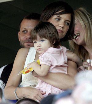 """Tom Cruise asegura que es """"muy feliz"""" con Katie Holmes"""