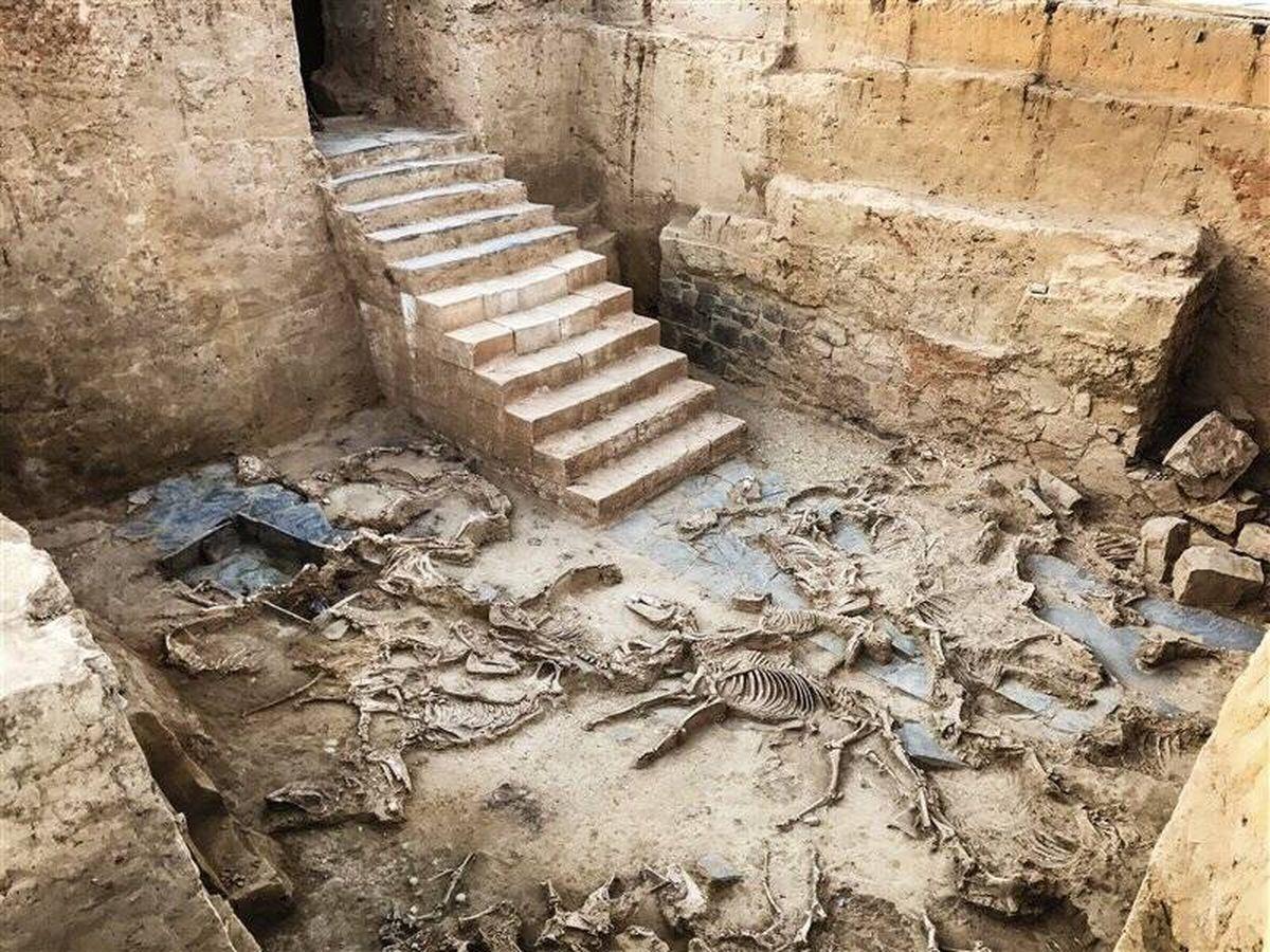 Foto: La escalera del Turuñuelo (Fuente: Proyecto Construyendo Tarteso)