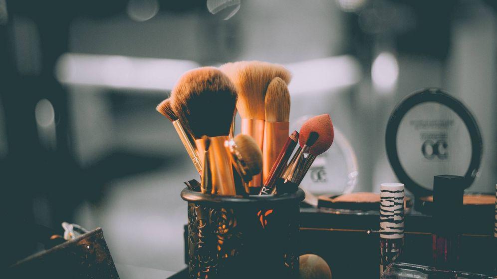 Foto: Brochas de maquillaje. (Unsplash)