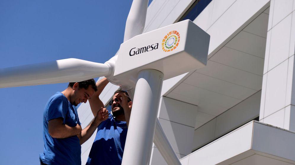 Foto: Trabajadores de Siemens Gamesa. (Reuters)