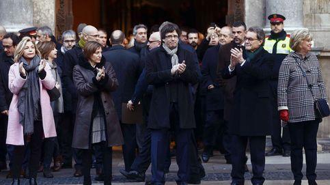 Procesión triunfal de Artur Mas hasta el tribunal que lo convierte en mártir