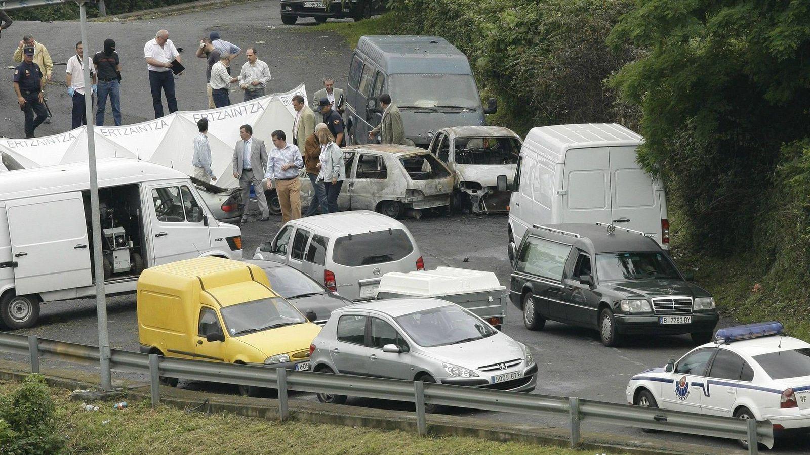 Foto: ETA asesinó en 2009 al inspector de Policía Eduardo Puelles con una bomba lapa en Arrigorriaga, Vizcaya (EFE).