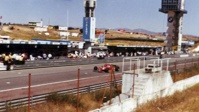 La recta del Jarama con el Ferrari de Villeneuve. (J. R.)