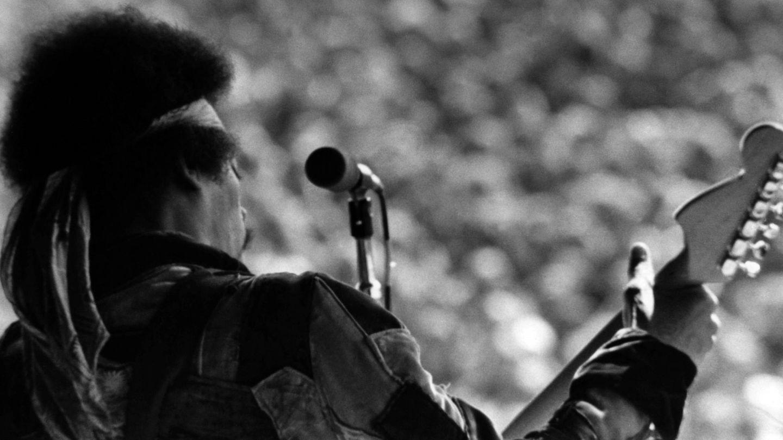 Jimi Hendrix, durante su actuación en el célebre Verano del Amor. (CP)