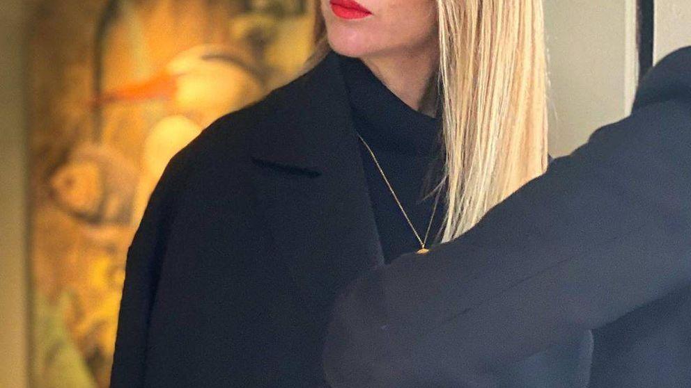 Amelia Bono se pasa al rubio platino para huir de la polémica de su delgadez