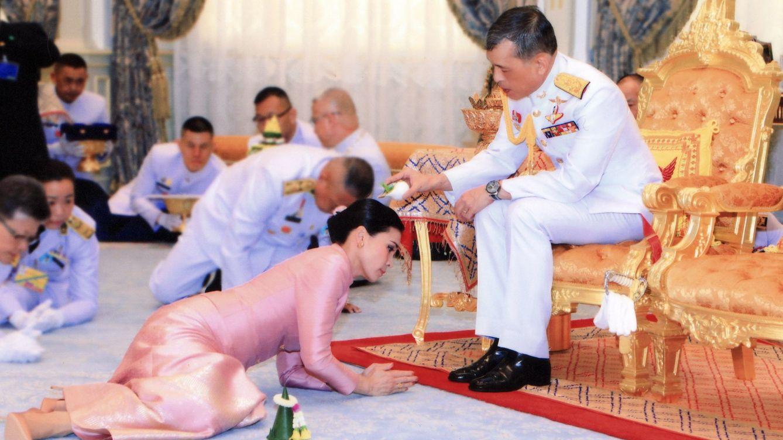 La poligamia del rey de Tailanda: divorcios, destierros, nueva amante y ¿embarazo?