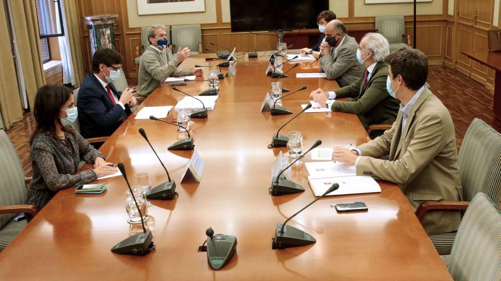 Foto: Imagen de la reunión de este lunes en La Moncloa. (EFE)