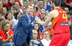 Don Felipe apoya a la selección española de baloncesto