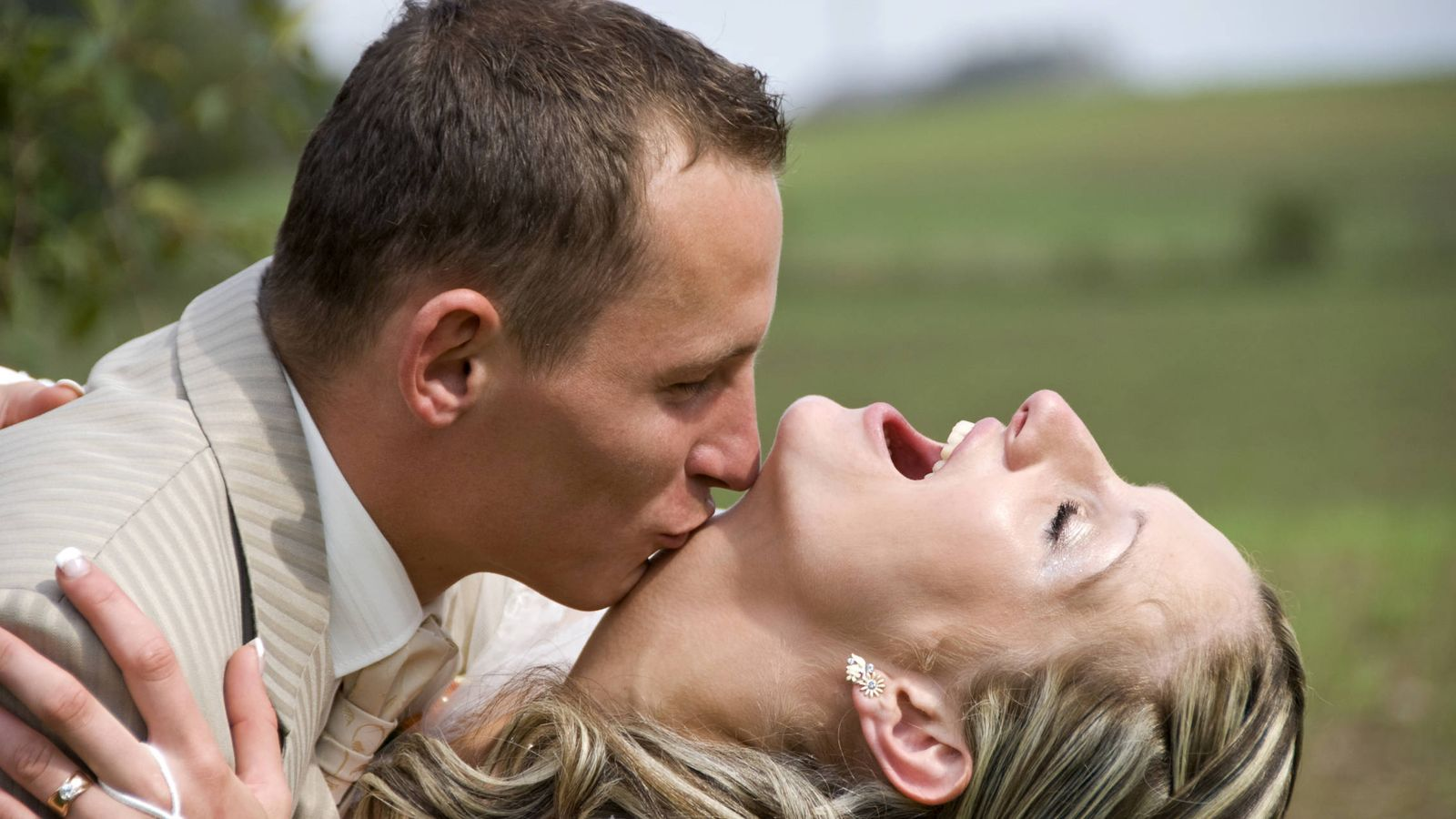 Mujer soltera con hombre divorciado
