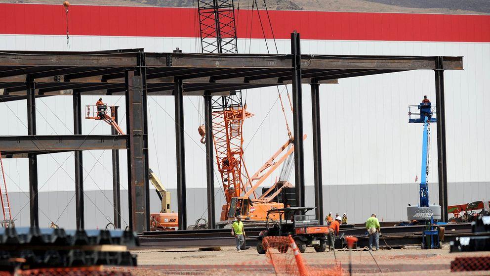 El plan maestro de Tesla toma forma: se inaugura la enorme Gigafactory