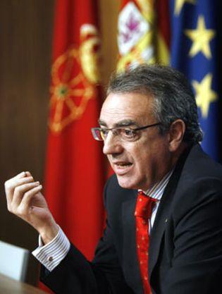 Foto: Miguel Sanz se reunió ayer con el 'hotelero' Antonio Catalán, amigo íntimo y 'mensajero' oficioso de Zapatero