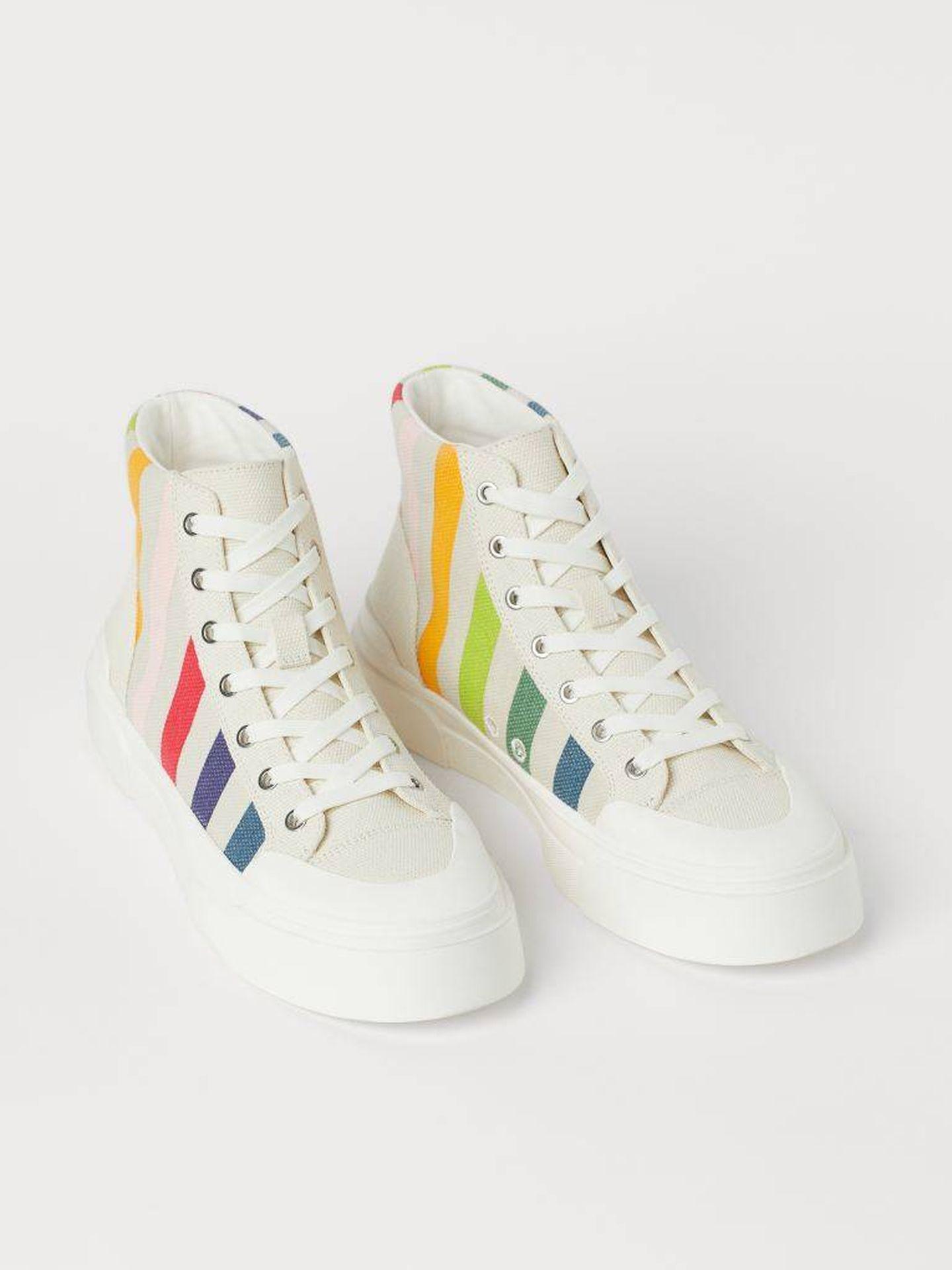 Las zapatillas deportivas de HyM. (Cortesía)