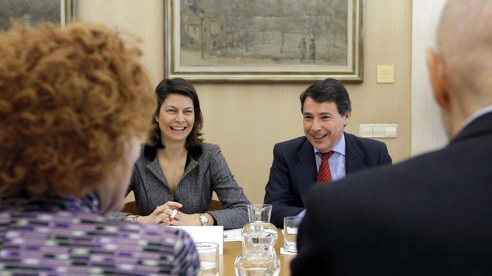 Foto: Ignacio González y Lucía Figar. (EFE)