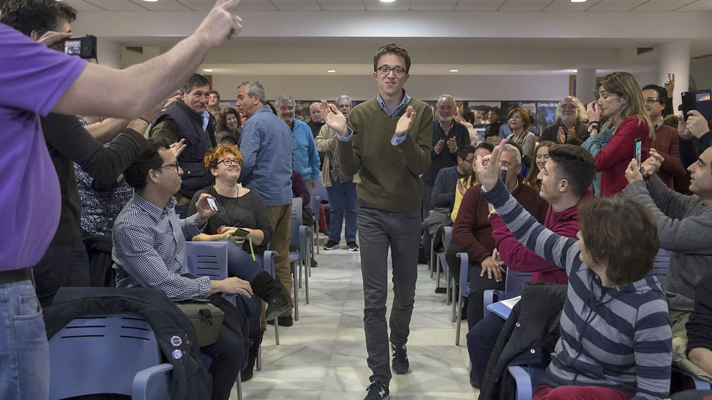 Errejón se pliega a Iglesias y acelera su cambio de diputado a rival de Cifuentes