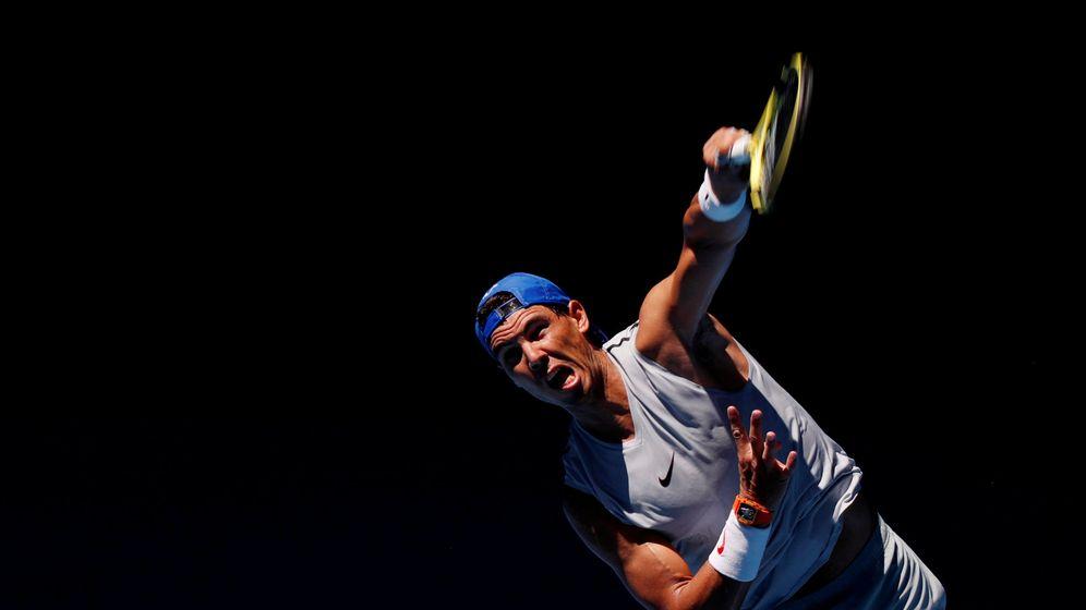 Foto: Rafael Nadal, durante un entrenamiento en Melbourne. (Reuters)