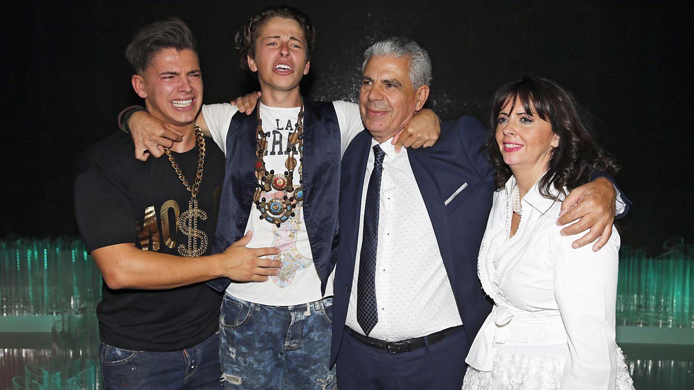 Foto: Christopher, ganador de 'SV 2015', con su familia