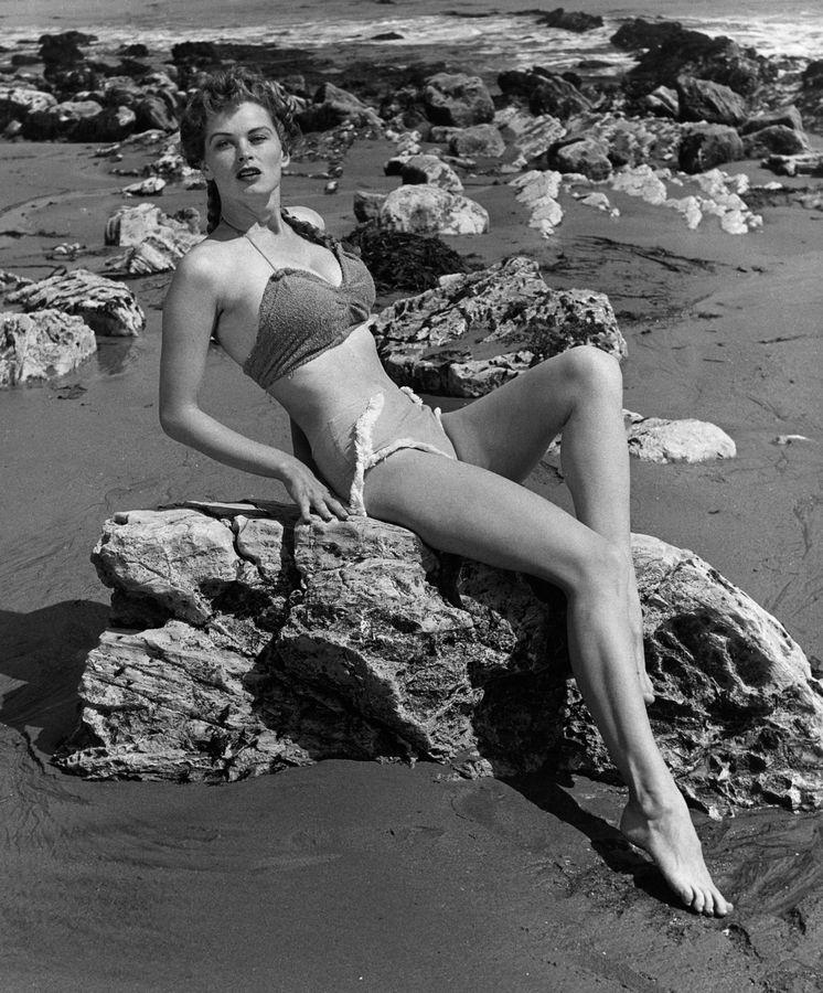 Foto: La actriz Irish McCalla, fotografiada en 1954 por David Sutton (Cordon Press)