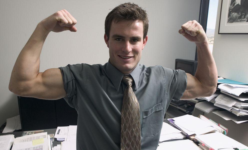 Foto: No te preocupes, no te hace falta tener unos músculos descomunales para que los demás te den la razón. (Corbis)