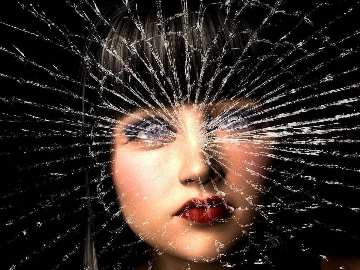 Foto: ¿Se ha roto un espejo? Siete años de mala suerte. (Pixabay)