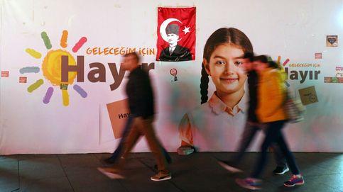 Turquía celebrará un referéndum constitucional y Feria del automóvil de Nueva York 2017: el día en fotos