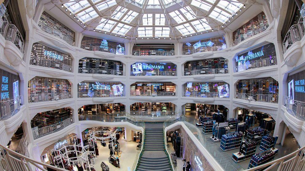 Primark trae clientes a la competencia con su turístico 'palacete' en Gran Vía