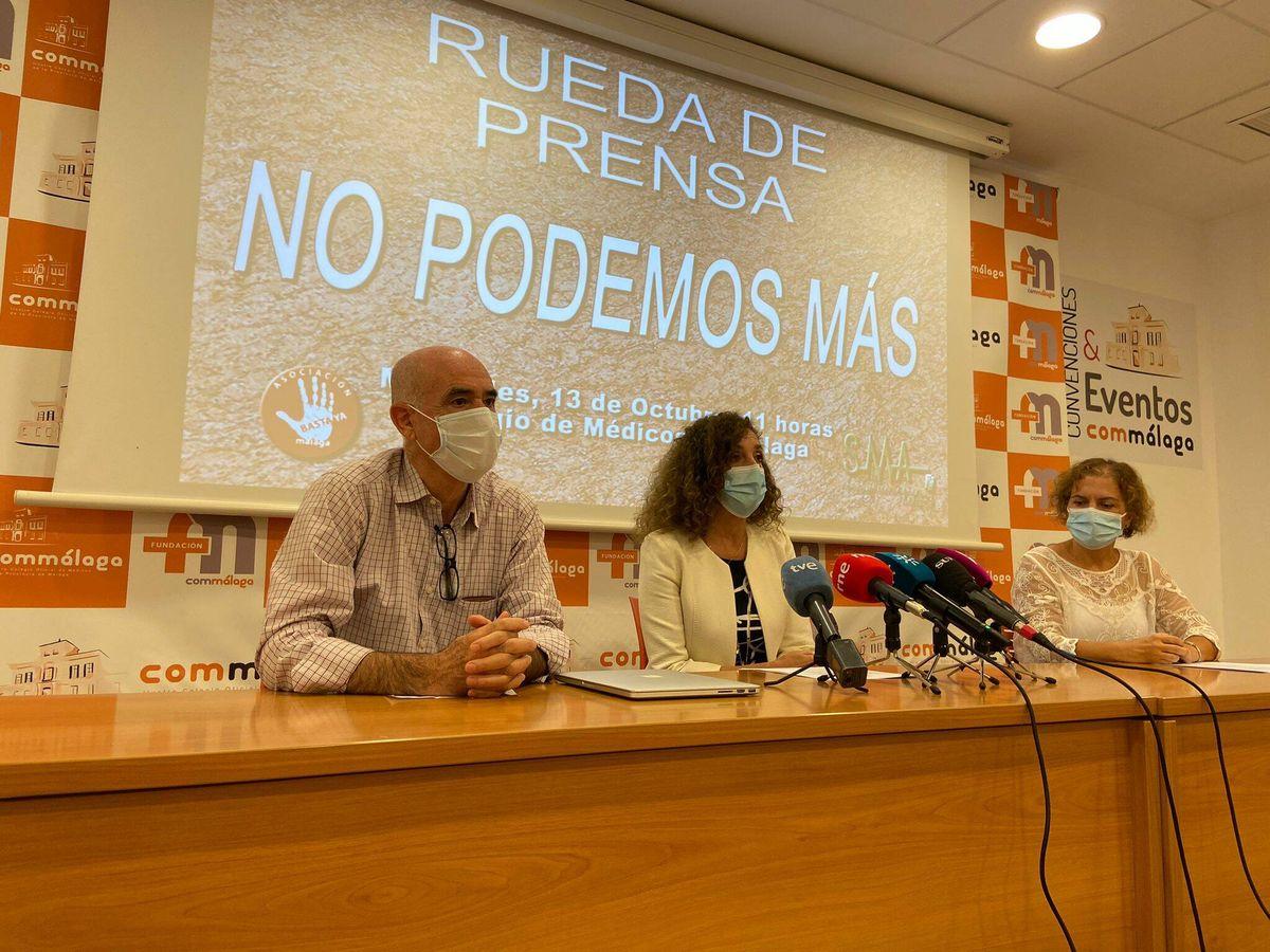 Foto: Los representantes de los médicos de atención primaria, durante la rueda de prensa celebrada en Málaga. (SMM)
