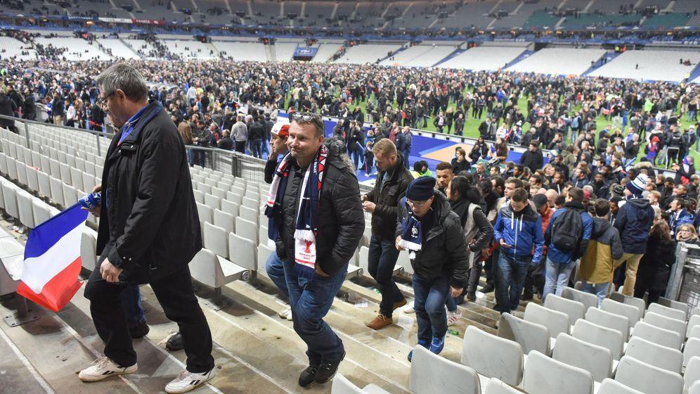 Foto: Miles de espectadores permanecieron en el Estadio Saint-Denis (Efe)