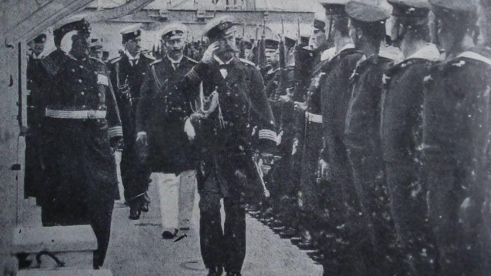 Foto: El zar Nicolás II a bordo de la embarcación del Kaiser Guillermo Hohenzollern en 1905