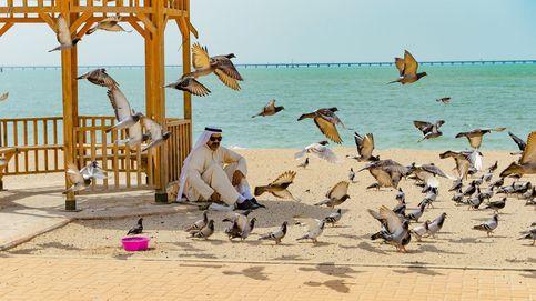 El Día del Teatro chileno y el ramadán de Kuwait: el día en fotos