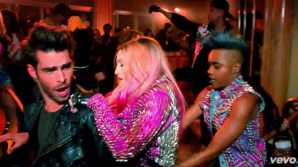 Jon Kortajarena se cuela en el videoclip de Madonna