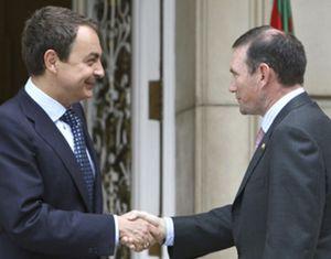 Zapatero conocía desde verano los planes de Ibarretxe tras una reunión secreta con el 'lehendakari'