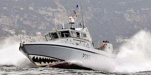 Más tensión en Gibraltar: la Royal Navy vuelve a echar a la Guardia Civil de las aguas del Peñón