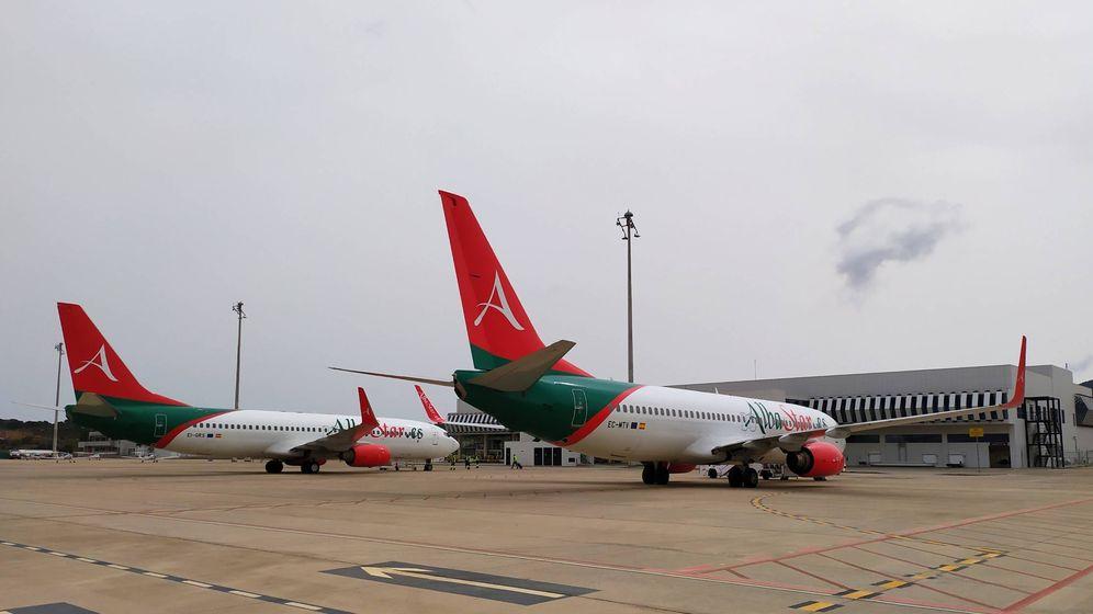 Foto: Dos aparatos aparcados en la plataforma del Aeropuerto de Castellón. (Aerocas)