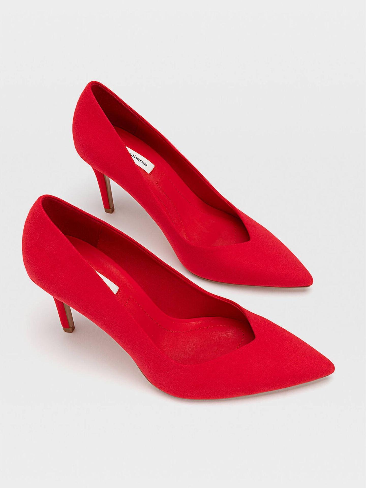 Los zapatos de tacón ideales para ir al trabajo de Stradivarius. (Cortesía)