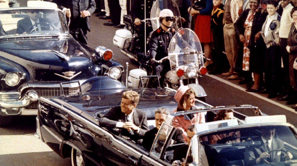 Foto: El presidente John F. Kennedy y la primera dama Jacqueline Kennedy, el día de su asesinato en Dallas. (Reuters)