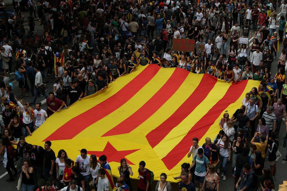 Foto: Los empresarios consultados sienten pena ante el clima de odio y resentimiento que se respira en Cataluña. (EFE)