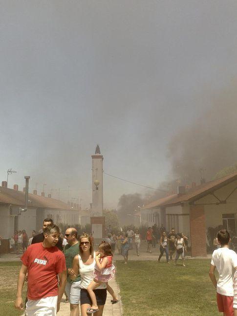 Foto: El humo invade la zona de Estepa. (Estepa Noticias)