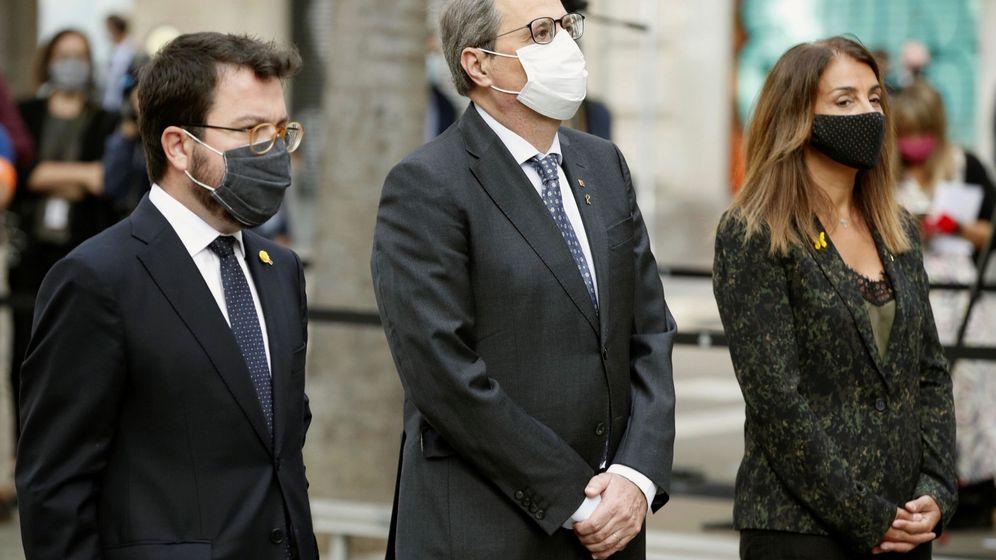 Foto: El presidente de la Generalitat, Quim Torra, junto a Aragonès y Budó. (EFE)