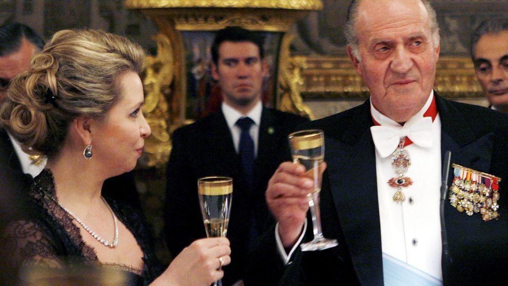El Rey Juan Carlos acude en solitario a la boda de Beltrán Gómez-Acebo