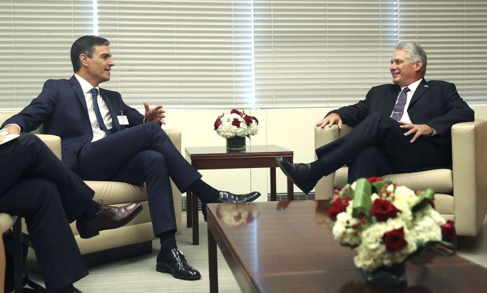 Foto: Pedro Sánchez, con el presidente cubano, Miguel Díaz-Canel, el pasado 25 de septiembre en Nueva York. (EFE)