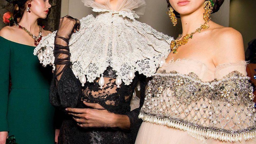 Foto: La casa italiana apuesta por los excesos en el maquillaje. (Cortesía de la marca)