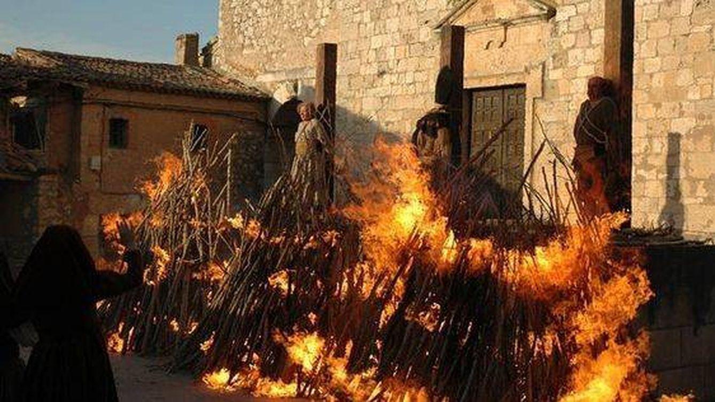 Por qué nos gusta tanto quemar brujas