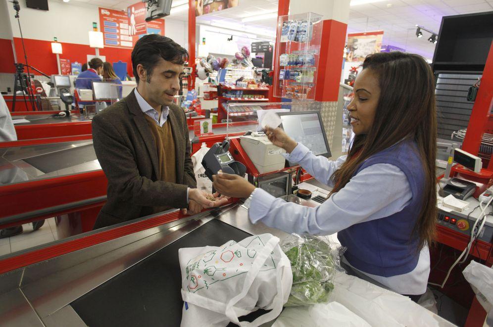 Foto: La cadena de supermercados no es partidaria de criminalizar el aceite de palma y olvidarse de las demás sustancias perjudiciales. (EFE)