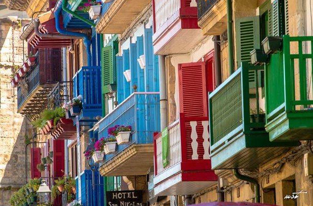 Foto: Hondarribia, en clave multicolor. (Cortesía Hotel San Nikolas)