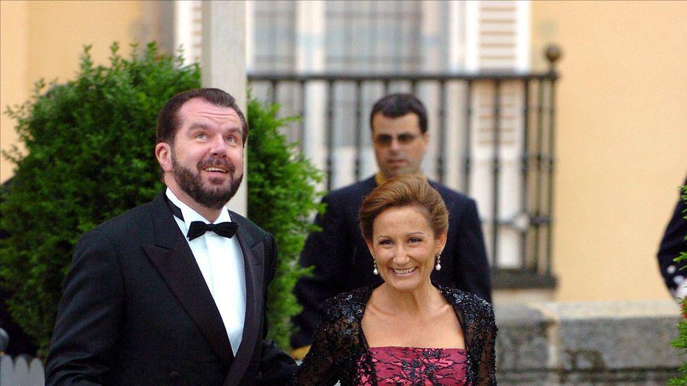 Foto: Jesús Ortiz y Paloma Rocasolano, en la cena anterior a la boda de los Reyes de España (Gtres)