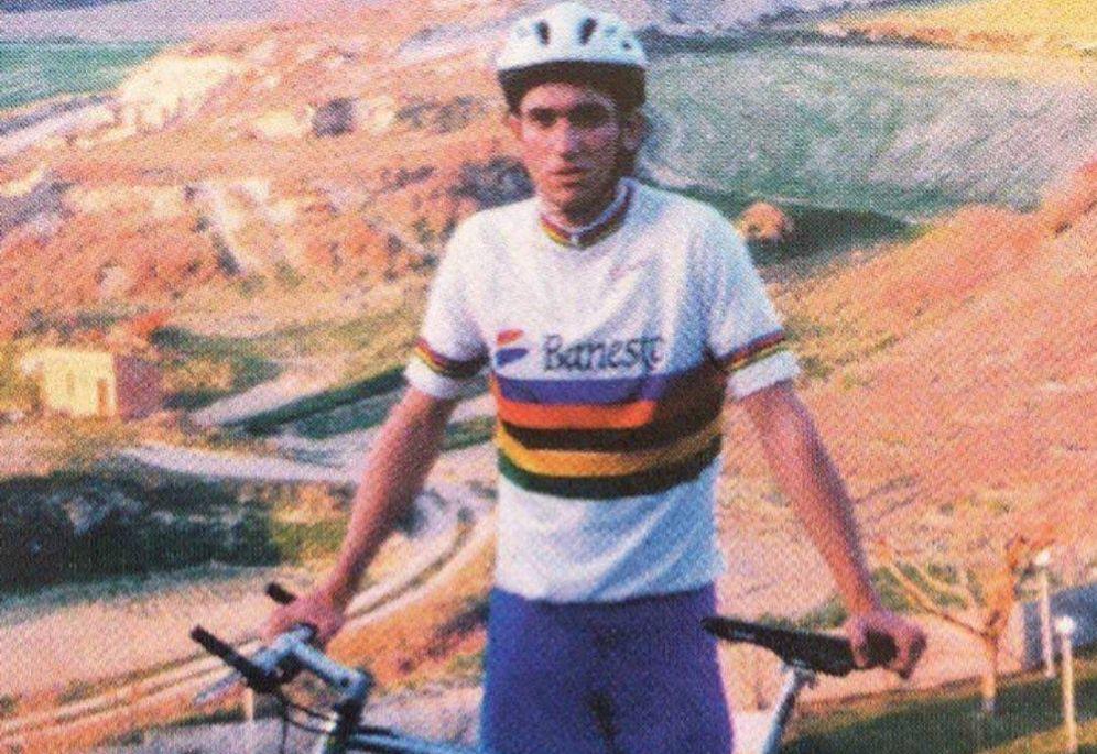 Foto: Miguel Morrás, con el maillot de campeón del mundo juvenil