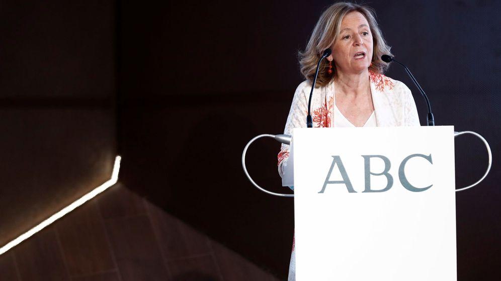 Foto: Catalina Luca de Tena, presidenta-editora de 'ABC', en los premios Mariano de Cavia. (EFE)