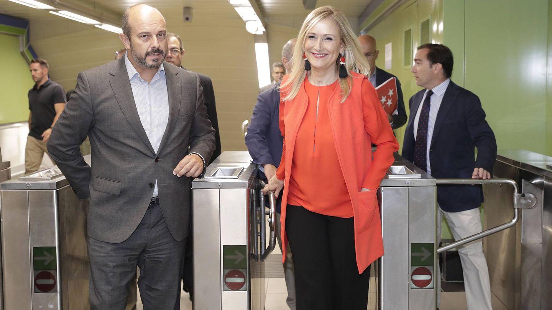 La presidenta madrileña, Cristina Cifuentes, es una reciente visita a Metro de Madrid.