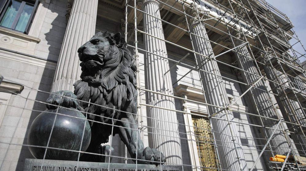 Foto: Imagen de archivo de la Puerta de los Leones cubierta por un andamio de obras.
